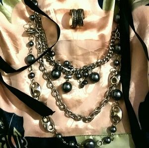 Jewelry - Black pearl layered necklace and earrings